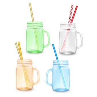 Set leeres glas für smoothies mit gestreiftem stroh für cocktails