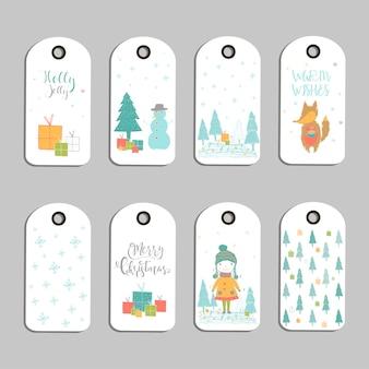 Set mit 8 süßen weihnachtsgeschenkanhängern, karten mit der aufschrift frohe weihnachten, tiere, voreinstellungen, baum und schneeflocken. einfach bearbeitbare vorlage. perfekte illustration für postkarte, poster, abzeichen, banner.