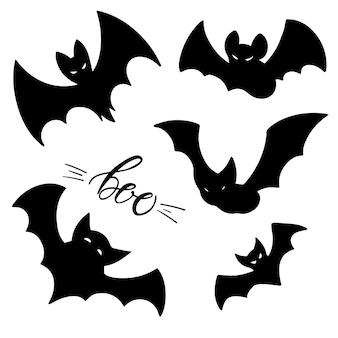 Set mit schwarzen fledermäusen und boo-schriftzug. handgezeichnete illustration von nachtkreaturen fledermäuse. halloween-design-element.