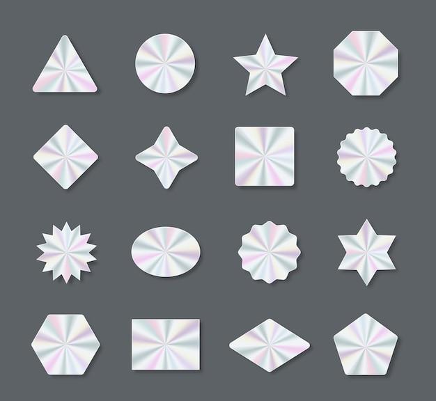 Set mit trendigen holografischen farbigen aufklebern und abziehbildern in verschiedenen formen