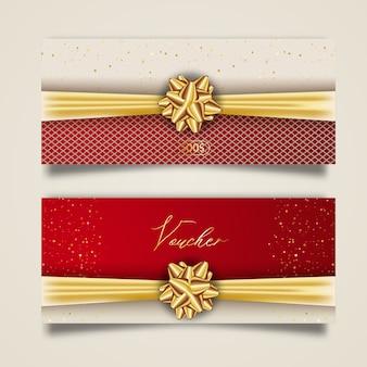 Set stilvoller geschenkgutschein mit goldenem band und schleife. elegante vorlage für geschenkkarte, gutschein und zertifikat vom hintergrund isoliert.