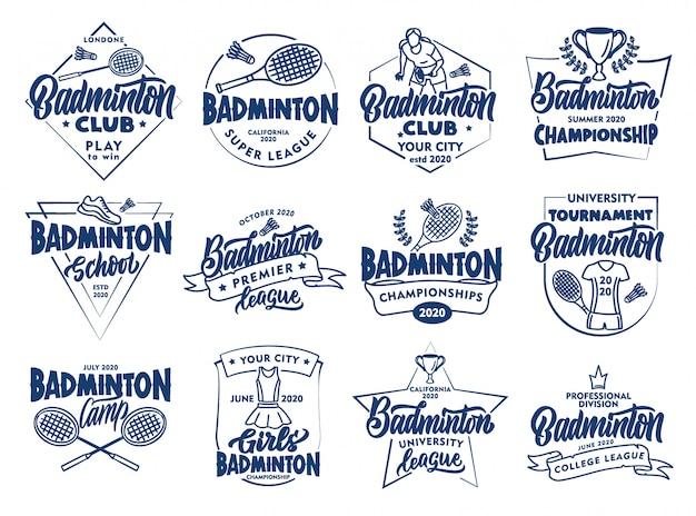 Set vintage badminton embleme und briefmarken. abzeichen, aufkleber auf weißem hintergrund lokalisiert.