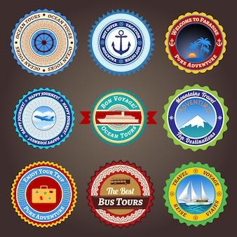 Set von etiketten, abzeichen und aufklebern auf reisen