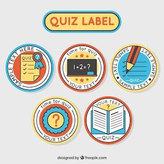 Set von fünf runden quiz-etiketten