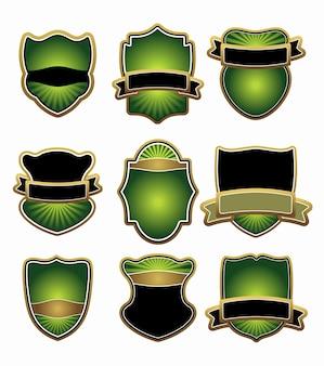 Set von grünen und goldenen etiketten