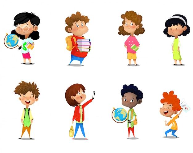 Set von kindern mit schulmaterial