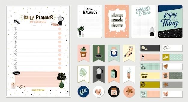 Set von planern und listen mit einfachen skandinavischen illustrationen und trendigen schriftzügen. vorlage für tagesordnung, planer, checklisten und anderes briefpapier. . . weißer hintergrund