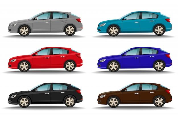 Set von sechs verschiedenen farbenautos. seitenansicht der hatchback-fahrzeuge. familientransport.
