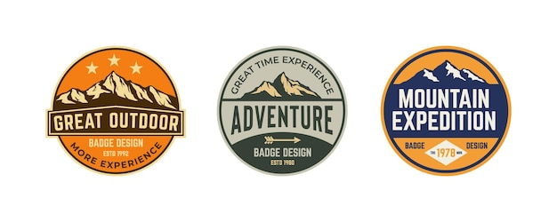 Set von vintage-rustikalem bergabenteuer erkunden abzeichen-logo-kollektion