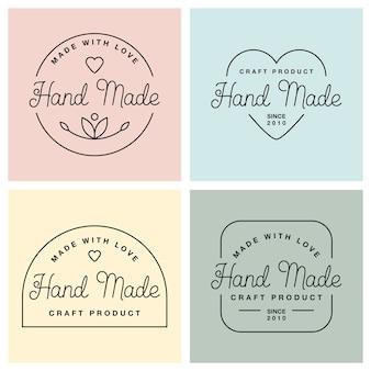 Setzen sie etiketten oder logos mit handgemachten schriftzügen. flache vektorgrafiken. moderne und stilvolle abzeichen in verschiedenen formen. dünne linie inschrift handgefertigt, mit liebe hergestellt, handwerksprodukt auf pastellfarben.