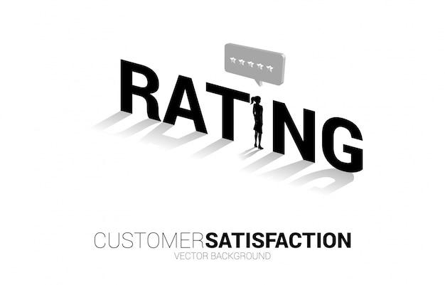 Silhouette geschäftsfrau, die mit 3d-kundenbewertungsstern in der sprechblase steht. konzept der kundenzufriedenheit, kundenbewertung und ranking.