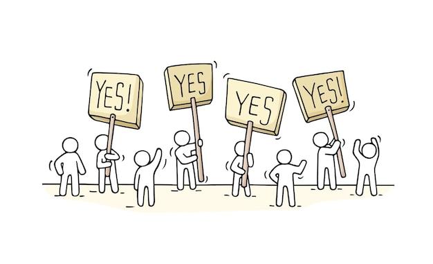 Skizze der menge kleiner leute. kritzeln sie niedliche miniaturszene von arbeitern mit protesttransparenten. hand gezeichnete karikaturillustration für geschäft