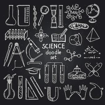 Skizzierte wissenschafts- oder chemieelemente auf schwarzer tafel. illustration der wissenschaftschemie auf tafel