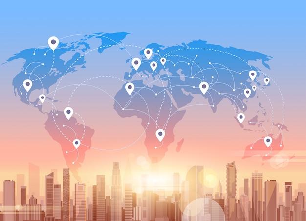 Social media-kommunikations-internet-netzwerk-verbindungs-stadt-wolkenkratzer-ansicht-weltkarten-hintergrund