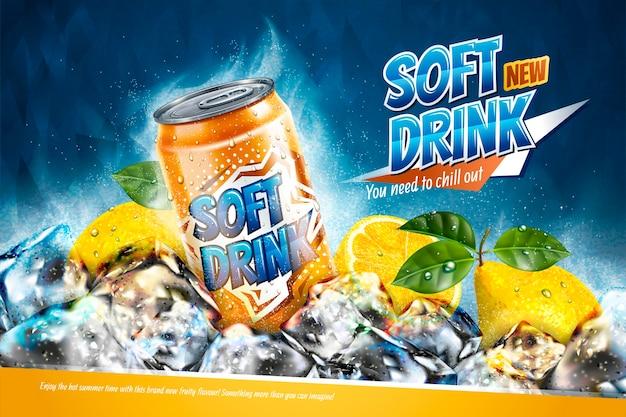 Softdrink-anzeigen mit geschnittener zitrone auf gefrierenden eiswürfeln