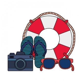 Sommer flip flops mit kamera und schwimmer