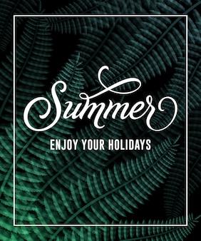 Sommer genießen sie ihre ferienbeschriftung im rahmen mit blättern.