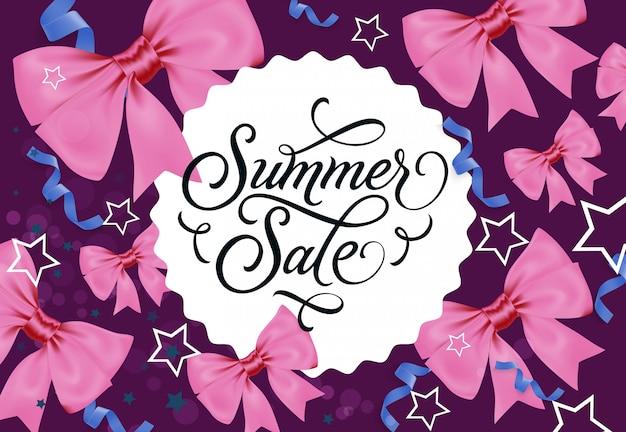 Sommer sale label auf violettem hintergrund
