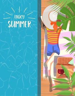 Sommerauslegung mit schwimmbadhintergrund