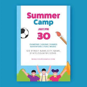 Sommercamp-flyer-design mit fröhlichen kindern und details zum veranstaltungsort in weißer und blauer farbe.