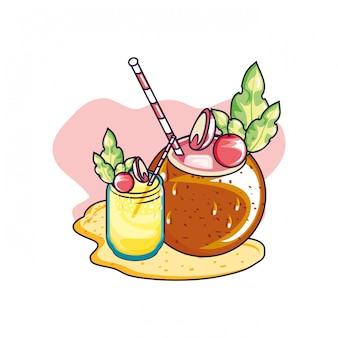 Sommercocktail der kokosnuss mit saft der frucht