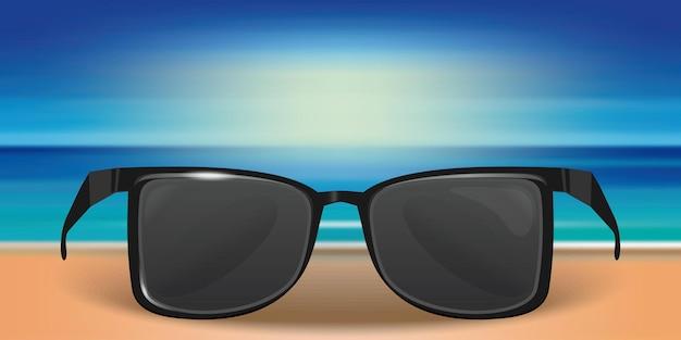 Sommerdesign mit sonnenbrille. sonnenbrille im sand auf dem hintergrund des meeres oder des ozeans. vorlage für sommerdesign