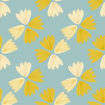 Sommerhelles nahtloses muster mit gelben und hellen blütenknospen. hellblauer hintergrund.