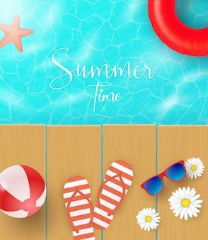 Sommerkonzept-strandholz mit sommerelementen und luftballons im blauen meerhintergrund. illustration.