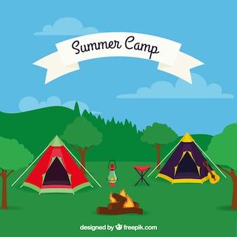 Sommerlagerhintergrund mit zelten in der natur