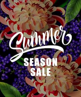 Sommersaison-Verkaufsbeschriftung mit tropischen Blumen. Sommerangebot oder Verkaufswerbung