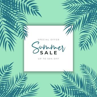 Sommerschlussverkauf mit tropischen palmblättern