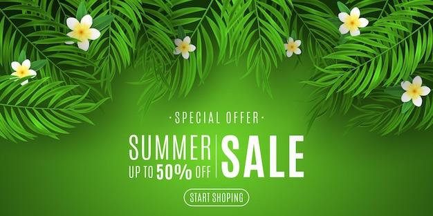 Sommerverkauf hintergrund. exotisches palmblatt mit plumeria-blumenillustration