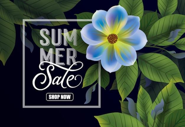 Sommerverkauf shop jetzt schriftzug. dunkler hintergrund mit blume und blättern.