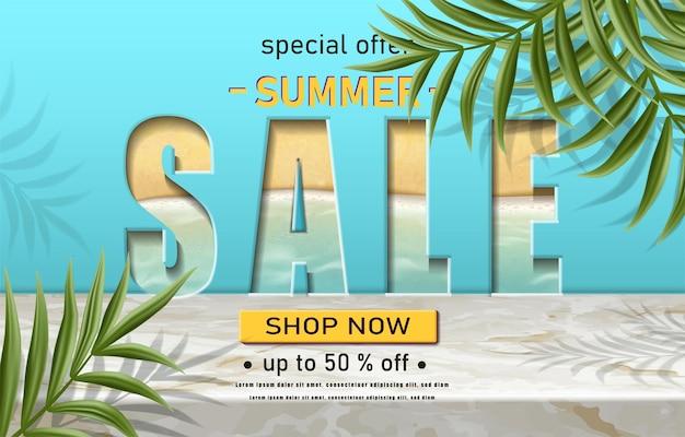 Sommerverkaufsfahnenschablone mit tropischen pflanzen auf marmor und blauem hintergrund