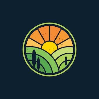 Sonnenaufganglandschaftslandwirtschaftslogodesign-vektorillustration
