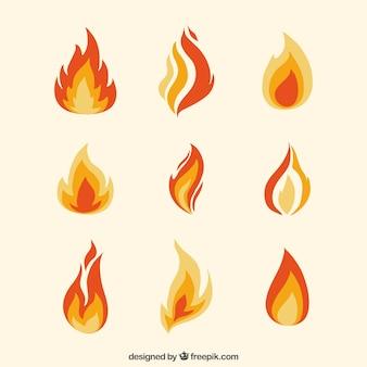 Sortiment von flachen flammen in orangetönen