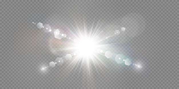 Spezieller linseneffekt des abstrakten transparenten sonnenlichts. unschärfe in bewegung glühen blendung. isolierter transparenter hintergrund. dekorelement. horizontale sternstrahlung und scheinwerfer.