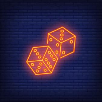 Spiel würfelt nacht helles anzeigenelement. glücksspiel-konzept für leuchtreklame