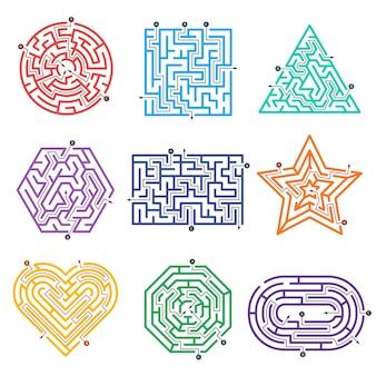 Spielelabyrinth. labyrinth weg mit verschiedenen eingangstor und ausgang vektorformen. illustrationsspiel labyrinth herausforderung, aufgabenlabyrinth
