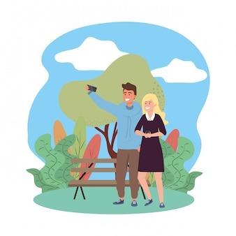 Splarsh rahmen der tausendjährigen paarlächelnden selfie parkbank-natur