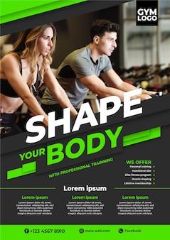 Sportplakat mit foto von personen, die trainieren