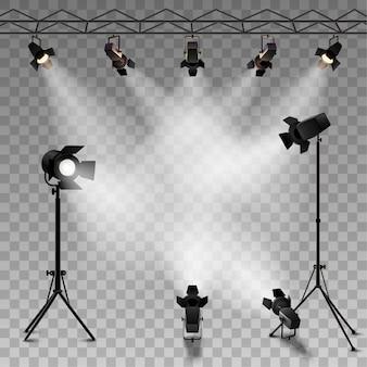 Spotlights realistischer transparenter hintergrund für showwettbewerb oder -interview