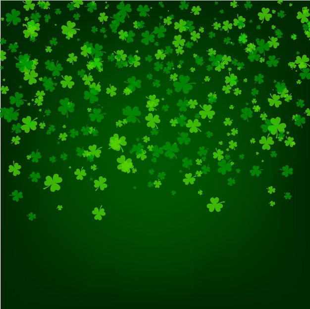 St. patrick tageshintergrund mit grünen blättern des kleeblattklees