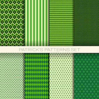 St patrick tagesnahtloses muster-set des grünen hintergrundes mit shamrock-oder kleeblättern