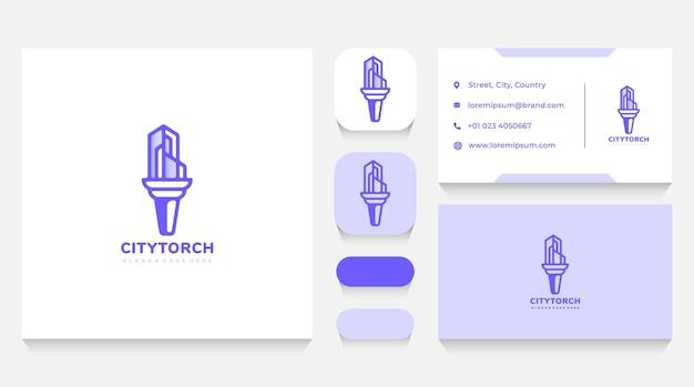 Stadt immobilien und gebäude fackel logo vorlage und visitenkarte