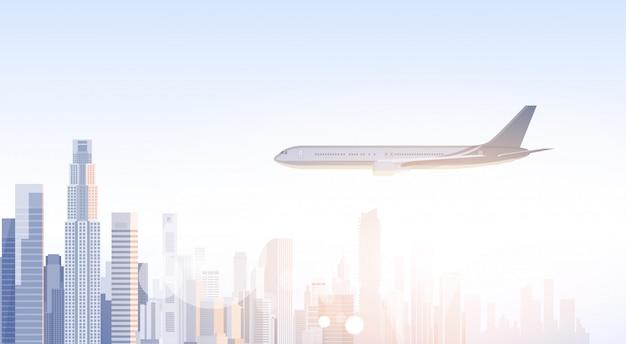 Stadt-wolkenkratzer-ansicht stadtbild fliegende flugzeug skyline silhouette mit textfreiraum infografiken