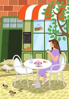 Stadtstraßencafé-sommerszene mädchen sitzt auf der tischterrasse des restaurants im freien hält kaffeetasse Premium Vektoren