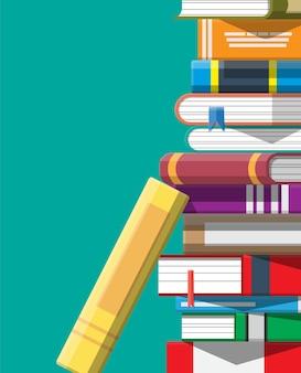 Stapel bücher. leseerziehung, e-book, literatur, enzyklopädie.