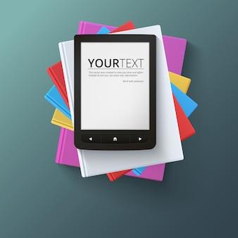 Stapel leere bücher mit e-book, draufsicht. verschiedene leere weiße bücher auf dunklem hintergrund für ihr design und ihre präsentation, bildung simbol