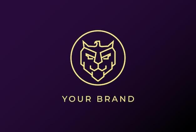 Starkes goldenes tiger-löwen-kopf-gesicht mit adler-hawk-falcon-logo-design-vektor